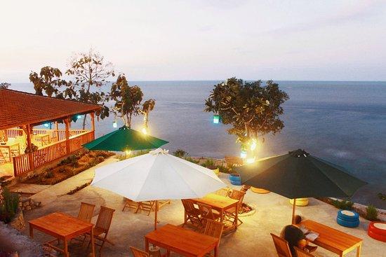 Warung Beach Corner Nusa Penida